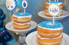 Catch My Party - Donut Stacks Happy Hannukah, Feliz Hanukkah, Hanukkah Crafts, Hanukkah Food, Hanukkah Decorations, Gallette Recipe, Thanksgiving, Kosher Recipes, Jewish Recipes