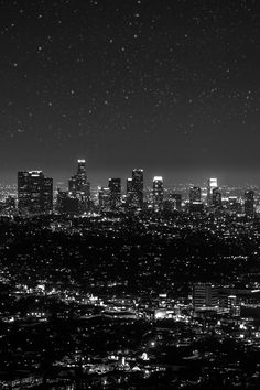 paisaje urbano Stars over Los Angeles II by Rebecca Burbidge Gray Aesthetic, Black Aesthetic Wallpaper, Black And White Aesthetic, Aesthetic Backgrounds, Aesthetic Wallpapers, Aesthetic Clothes, Black And White Picture Wall, Black And White Wallpaper, Dark Wallpaper