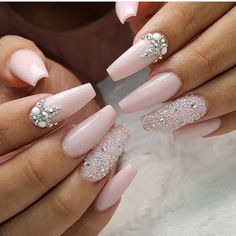 Nagelkunst # Nägel # Nägel # Design Fabulous Nails Best Picture For fall wedding nails acrylic For Your Taste You are looking for something, and it is going to tell you exactly what you are loo Bride Nails, Prom Nails, Long Nails, My Nails, Best Acrylic Nails, Acrylic Nail Designs, Nail Art Designs, Light Pink Acrylic Nails, Wedding Acrylic Nails
