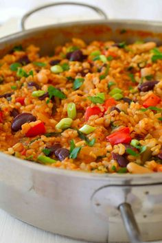 This vegan jambalaya recipe is super easy to make with basic pantry staples. Tomato-y rice flavoured with loads of herbs and spices and bulked up with celery peppers and a selection of mixed beans ma Veggie Recipes, Whole Food Recipes, Vegetarian Recipes, Cooking Recipes, Healthy Recipes, Vegetarian Chili, Plant Based Dinner Recipes, Chicken Recipes, Vegetarian