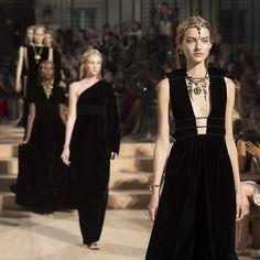 Mirabilia Romae Haute Couture Collection | Paris Fashion Week F/W 2015-2016 | Valentino modest fashion oriental style
