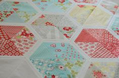 Gorgeous hexies by Cindy at Hyacinth #Quilt Designs