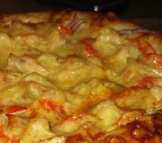 Pizza with shrimp on white sauce | Culinary blog