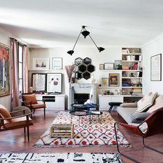En la capital francesa, este piso decimonónico es puro mestizaje decorativo. Sus inquietos dueños han conseguido fundir en un espacio muy relajado épocas y estilos distintos, aderezados con sabrosos...