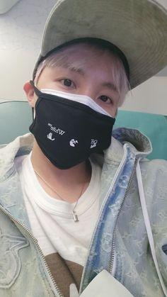 #bts #hoseok Bts J Hope, J Hope Selca, Jimin, Foto Jungkook, Bts Taehyung, Mixtape, Bts Jung Hoseok, Seokjin, Namjoon