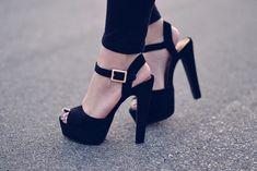 Dynemite Platform Sandals by Steve Madden - Black Suede