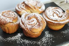 Cruffins – mein liebstes Hefegebäck / my favourite yeast pastry Muffins, Cupcakes, Sweets, Bread, My Favorite Things, Breakfast, Desserts, Party, Cake