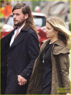 Dianna Agron & Fiance Winston Marshall Walk In Rainy NYC   dianna agron winston marshall speaking wdlive denmark 07 - Photo