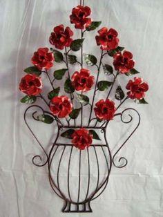 Enfeite de parede - JARRO VASADO - Artesanato em ferro Varias cores R$ 280,00