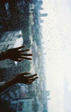 #wattpad #paranormalne Myślałeś kiedyś jak to jest utknąć między światami? Wiesz co to tulpa? Czy miłość może być silniejsza od faktów?  Piętnastoletnia  Amanda ma wszystko. Ale czym jest wszystko? Osiemnastoletni Will tak naprawdę istnieje tylko w głowie Amandy. Ale co oznacza istnieć? Czy Will ma możliwość istnienia? F...