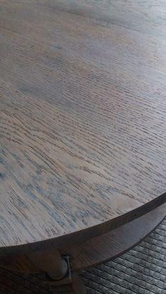Pöytä hiottu ja uusi kuultava pintakäsittely tehty Osmo Color öljyvahalla, sävy mattalumi