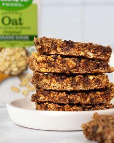 Oat Granola Bar Recipe, No Bake Granola Bars, Easy Snacks, Healthy Snacks, Recipe Sites, Recipes, Puffed Rice, Dark Chocolate Chips, Yummy Food