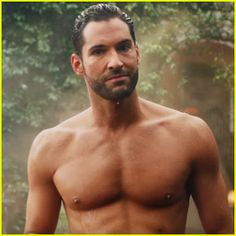 Tom Ellis Bares His Hot Chiseled Abs for 'Lucifer' Date Announcement Video!