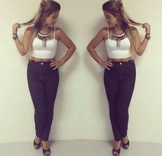 Cropped Justo - Bustiê - Branco - Calça Jeans Escura Cintura Alta - Hot Pants - Fashion - Moda - Look do dia