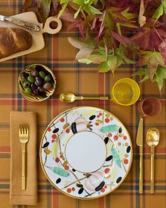 Foliage Forward: 4 Beautiful Tablescapes to Inspire Your Fall Entertaining