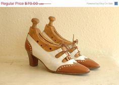 50 OFF SALE / vintage shoes / wingtip leather by honeytalkvintage, $35.00