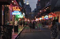 French Market and Bourbon Street - Buscar con Google