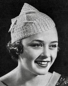 Crocheted berets – pleasing, practical, always! If you love the as much as… Crocheted berets – pleasing, practical, always! Crochet Beret, Crochet Hooks, Knitted Hats, Vintage Crochet Patterns, Vintage Knitting, Moda Vintage, Vintage Hats, Vintage Vogue, 1930s Hats