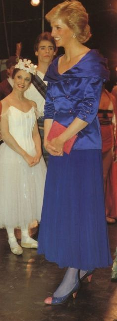 1988-03-22 Diana attends a Gala Performance by the London City Ballet at Sadlers Wells Theatre in London