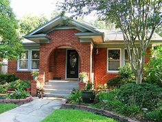 Neighborhood Guessing Game 25: 1517 Marshall St., Mandell Place, Montrose, Houston