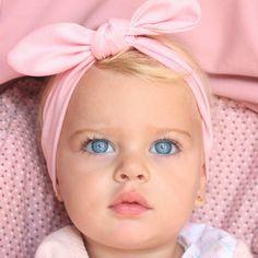 Kids Discover Les 25 plus beaux bébés du monde (Photos) Baby Kind, Pretty Baby, Cute Baby Girl, Cute Babies, Gorgeous Eyes, Pretty Eyes, Cool Eyes, Precious Children, Beautiful Children
