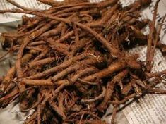 Dandelion Roots has a plethora of Health benefits! Helps ameliorate, heal or de… – Leber entgiften Natural Beauty Remedies, Natural Cures, Natural Healing, Herbal Remedies, Natural Oil, Natural Foods, Cold Remedies, Holistic Healing, Natural Treatments