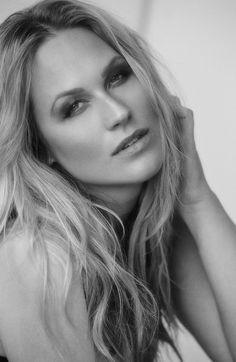 AMANDA BATCHER    - Models_card_right_amanda9268rt