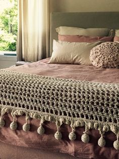 Designer Bed Sheets, Crochet Bedspread, Embroidery On Clothes, Crochet Home Decor, Boho Room, Crochet Fashion, Bed Spreads, Linen Bedding, Crochet Patterns