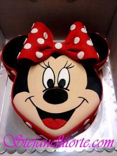 Cute minnie cake