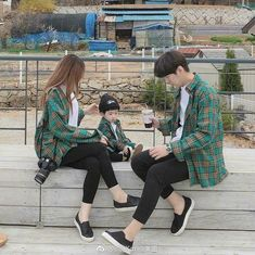 New baby ulzzang outfit ideas Couple Ulzzang, Ulzzang Kids, Mode Ulzzang, Korean Ulzzang, Korean Fashion Ulzzang, Cute Asian Babies, Korean Babies, Couple With Baby, Mode Kpop