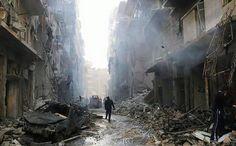 In the streets of Aleppo   ©Hosam Katan