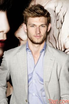 Alex Pettyfer with hair. :)