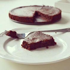livinggreen.blogg.se - Kladdkaka gjord på svarta bönor Pie, Chocolate, Blogg, Desserts, Food, Drinks, Pinkie Pie, Tailgate Desserts, Deserts