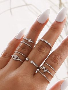 To find out about the Spiral Design Slim Ring Set at SHEIN, part of our latest Rings ready to shop online today! Stylish Jewelry, Dainty Jewelry, Simple Jewelry, Cute Jewelry, Nail Jewelry, Jewelry Rings, Jewelery, Fashion Rings, Fashion Jewelry
