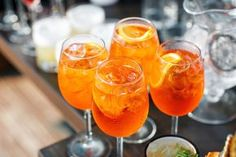 Ina Garten Loves to Make Aperol Spritzers - PureWow Refreshing Cocktails, Summer Cocktails, Cocktail Drinks, Alcoholic Drinks, Aperol Drinks, Beverages, Frozen Cocktails, Orange Party, Spritz Cocktail