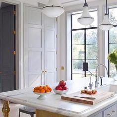 Marble Kitchen Countertop (Studio William Hefner)