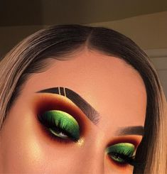 green eyeshadow looks - green eyeshadow ; green eyeshadow looks ; green eyeshadow for brown eyes ; green eyeshadow looks for brown eyes ; green eyeshadow looks step by step ; Makeup Eye Looks, Dramatic Eye Makeup, Colorful Eye Makeup, Beautiful Eye Makeup, Eye Makeup Tips, Cute Makeup, Glam Makeup, Makeup Inspo, Makeup Ideas