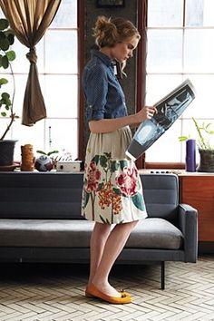 denim buttondown + floral skirt + bright flats. so cute. I think I can do this.