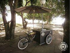 ****NOVA ENTREGA*** . Pessoal de Porto Alegre e região, que está planejando as festas de fim de ano, pode ficar atento que a @moahbikebeer chega de bicicleta!   .  . . . Eles optaram pela compra do kit quadro conosco e montaram sua própria bicicleta, não é demais?! Entre em contato para maiores informações em: vendas@arttrike.com.br . . . Conheça mais do nosso trabalho em: www.arttrike.com.br . . . . .  . . .. #carrinhosgourmet #bikebeer #bikechope #bikechopee #cervejaartesanal #chope #chopearte Bike Food, Porto, Fiestas, Bike