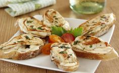 tostas-con-pollo-marinado-1-themorcetas