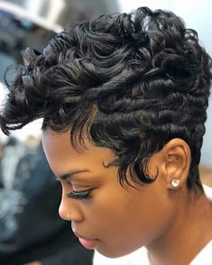 quick and easy hairstyles for school black hair – Frauen Haar Modelle Short Sassy Hair, Short Hair Cuts, Pixie Cuts, Curly Hair Styles, Natural Hair Styles, Easy Hairstyles For School, My Hairstyle, Hairstyle Ideas, Hair Ideas