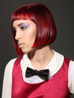 Red bob for spring Pastel Hair, Pink Hair, Vibrant Red Hair, Red Bob, Bob Haircut With Bangs, Hair Photo, Hair Trends, Redheads, Ponytail