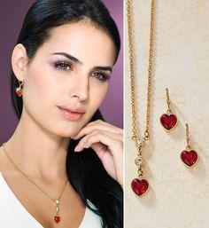 Rojo y dorado, una combinación fascinante Joyería Colombia DUPREE Necklace Online, Fashion Necklace, Necklaces, India, Drop Earrings, Stuff To Buy, Jewelry, Jewelry Trends, Red