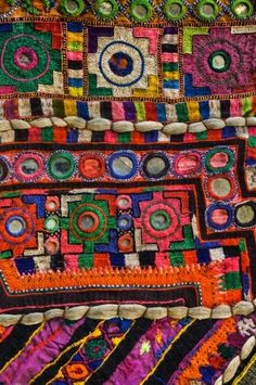 Traditional mirrored embroidered textiles- most often seen in Afghanistan, Pakistan, Iran, and north India (Rabari tribe in particular. Textile Fabrics, Textile Patterns, Textile Design, Textile Art, Indian Fabric, Indian Textiles, Vintage Textiles, Inchies, Art Tribal
