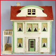 Antique Dollhouse, Dollhouse Dolls, Antique Dolls, Vintage Dolls, Dollhouse Miniatures, Dollhouse Ideas, House Gutters, Vintage Room, Vintage Stuff