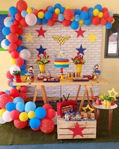 Superman Birthday Party, Girl Superhero Party, Avengers Birthday, Birthday Fun, Wonder Woman Birthday, Wonder Woman Party, Birthday Woman, Girls Party Decorations, Bday Girl