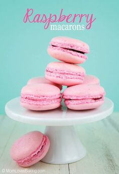 Raspberry Macarons @FoodBlogs