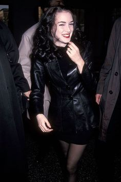 Winona Ryder 90s, Winona Ryder Style, Hip Hop Club, Look Fashion, 90s Fashion, Trendy Fashion, Fashion Tips, Moda Grunge, Pretty People