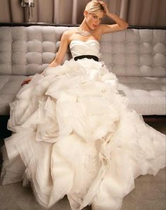 Vera Wang Ghillian: buy this dress for a fraction of the salon price on PreOwnedWeddingDresses.com