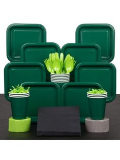 Green Minecraft Party (Solid Color) Serves 18